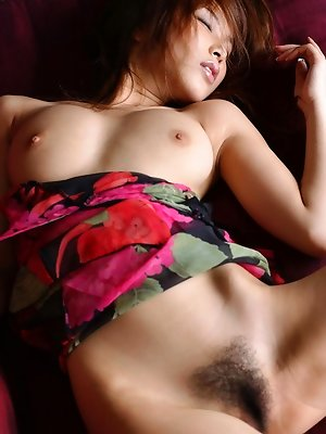Yua Aida shows off her...