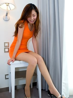 Ivy hot leggy babe in a...